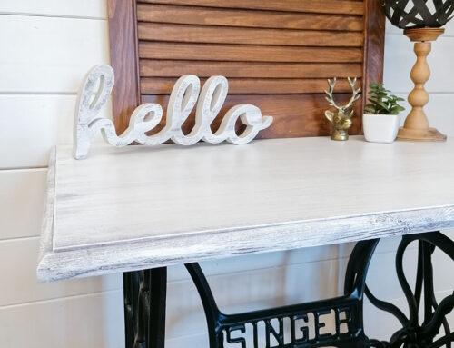 Efektowne DIY. Metamorfoza stolika od maszyny do szycia